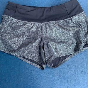 Lululemon shorts size 6